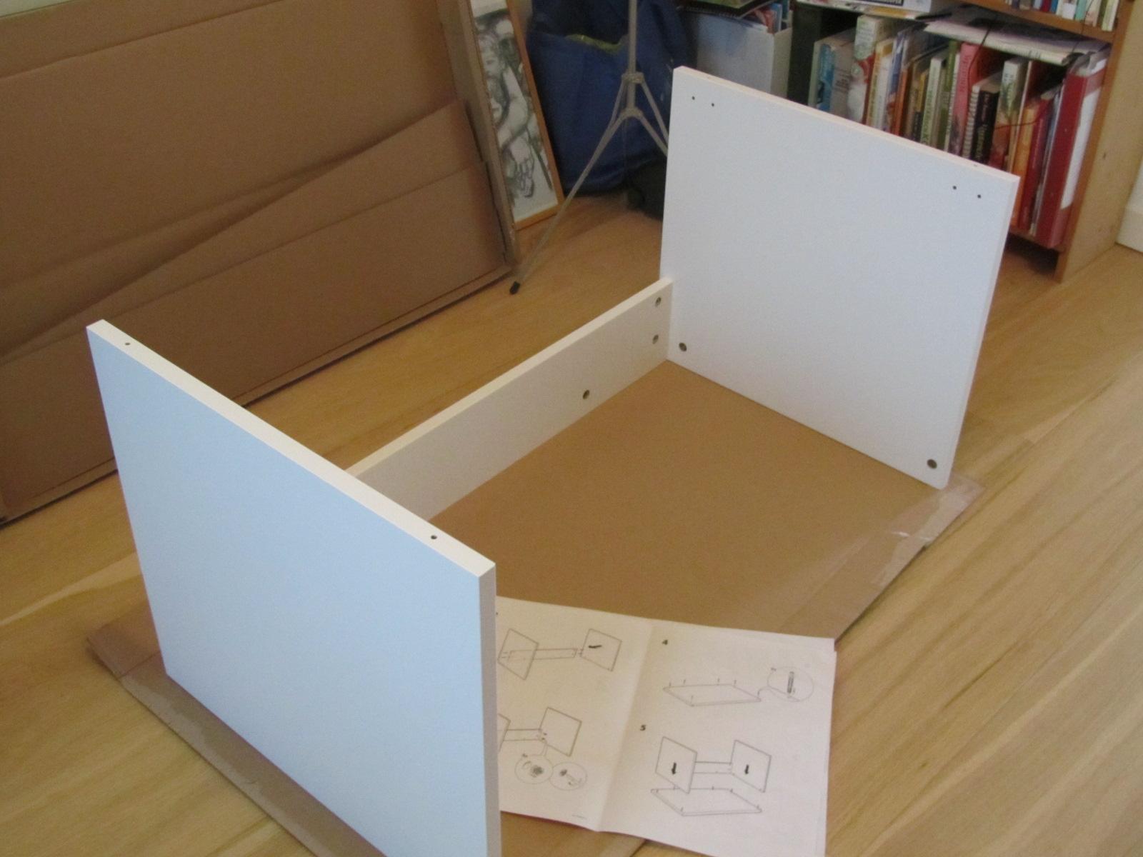 Een Mooie Dag Om Een Ikea Kastje In Elkaar Te Zetten
